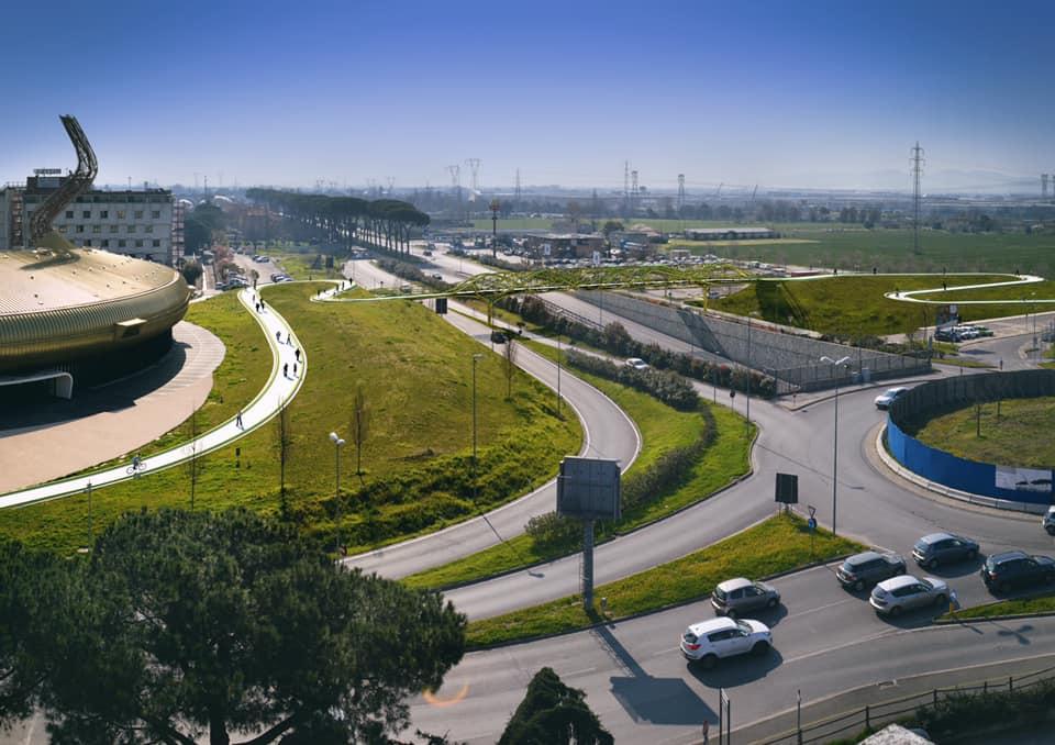 Architect Maurice Nio constructs unique bridge in Italy